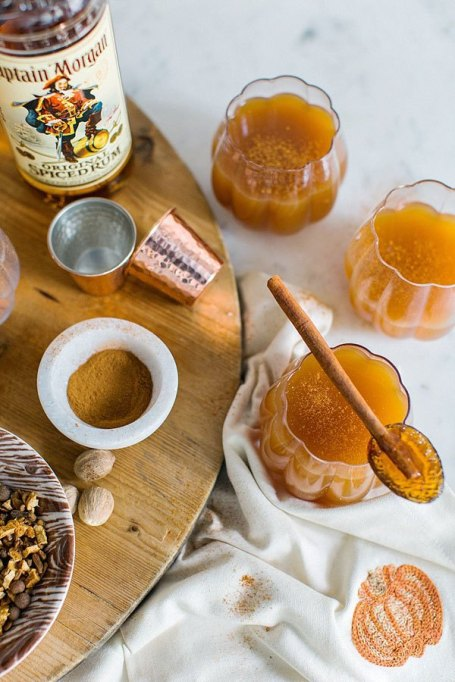 Spiked Apple Cider Recipes for All Your Fall Parties: spiced apple cider with rum