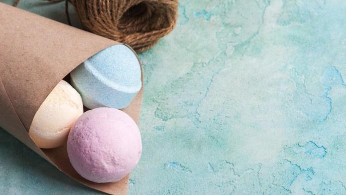 Blue, vanilla and strawberry bath bombs