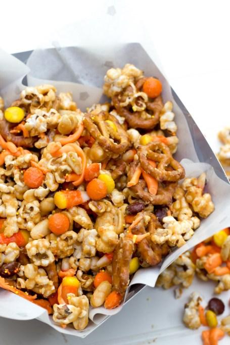 Legitimately Good Halloween Recipes: Peanut Butter Monster Munch Halloween Party Mix | Halloween treats 2017