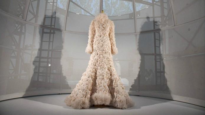 27 stunning dresses on display at