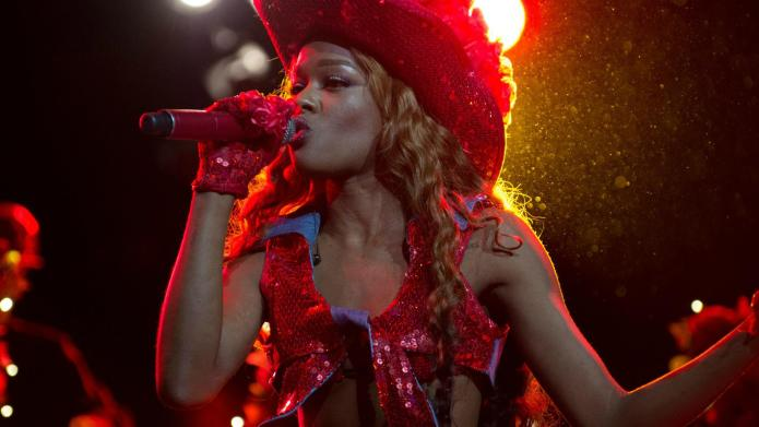 Azealia Banks strikes again, beefs with