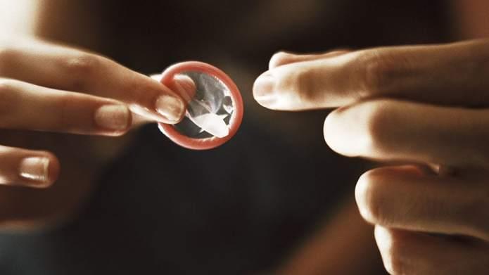 Untreatable 'Super-Gonorrhoea' Spreading Through Oral Sex