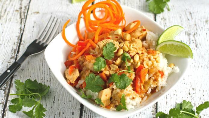 Slow Cooker Sunday: Peanutty Thai chicken