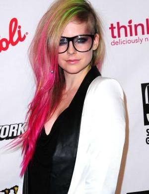 Chad Kroeger not happy with Avril's