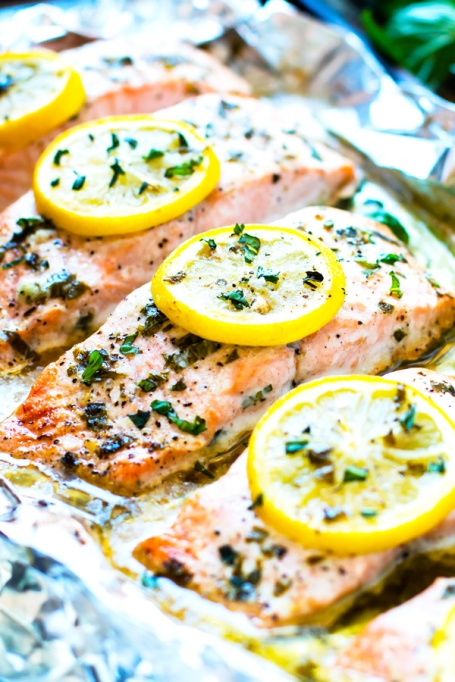 Low-carb summer lunches | healthy summer recipes | lemon basil baked salmon
