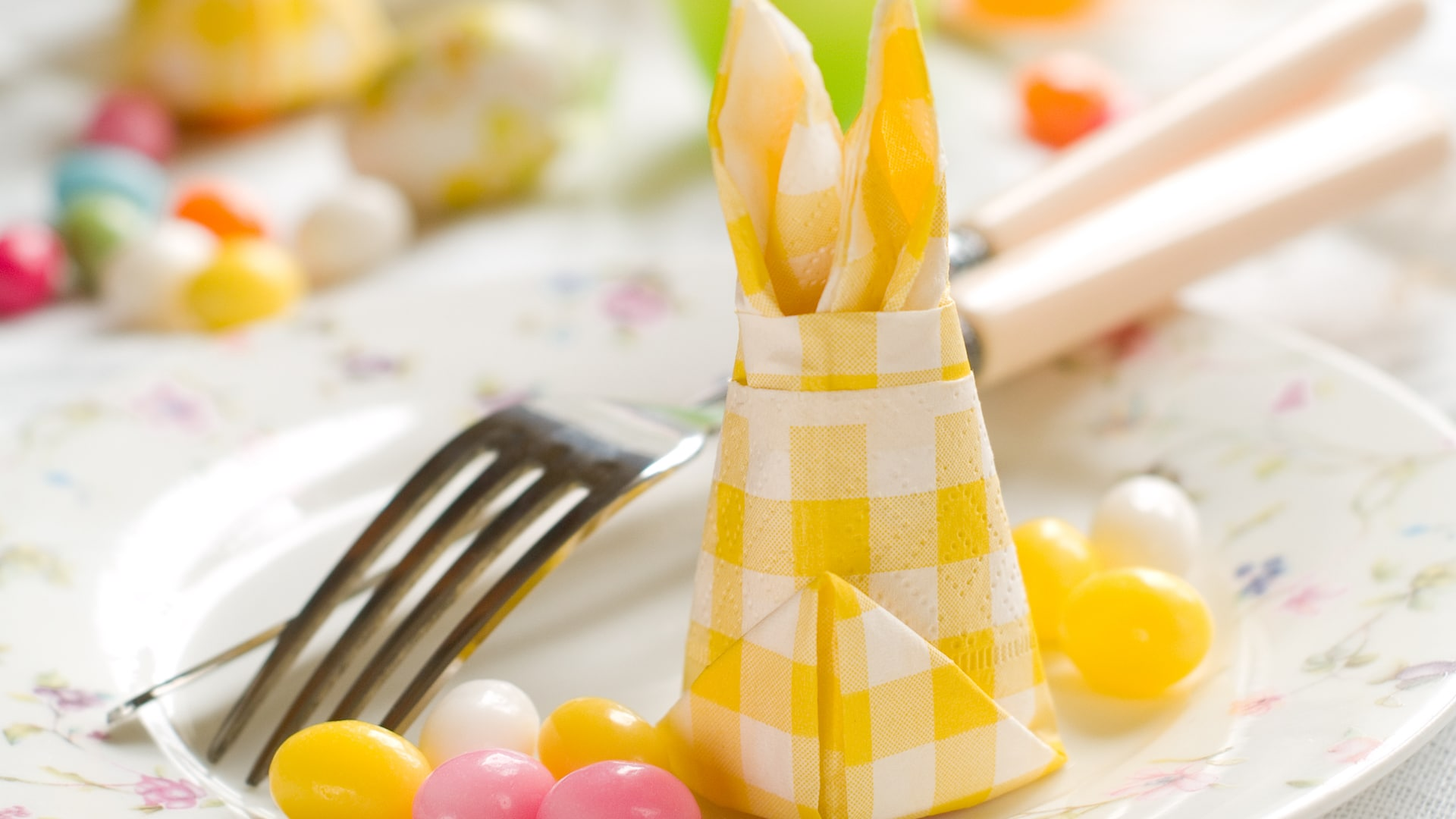 How To Fold Easter Bunny Napkins For The Perfect Table Topper Sheknows
