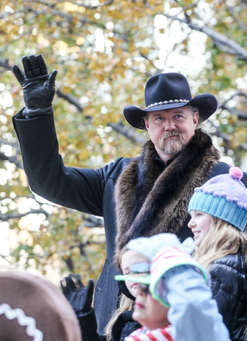 Macy's Thanksgiving Day Parade: Trace Adkins