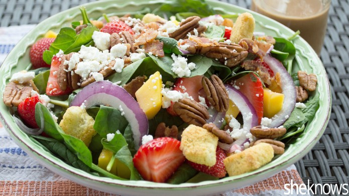 17 Spinach salads that will make