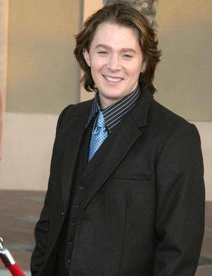 Clay Aiken disses Simon Cowell, prefers
