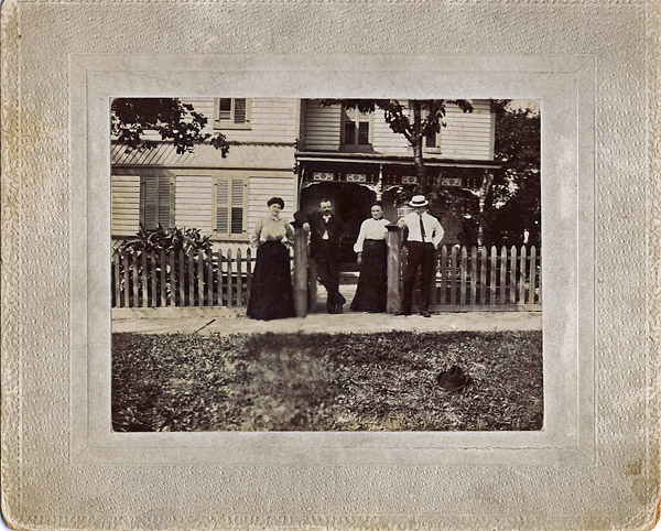 Finding clues in old photographs