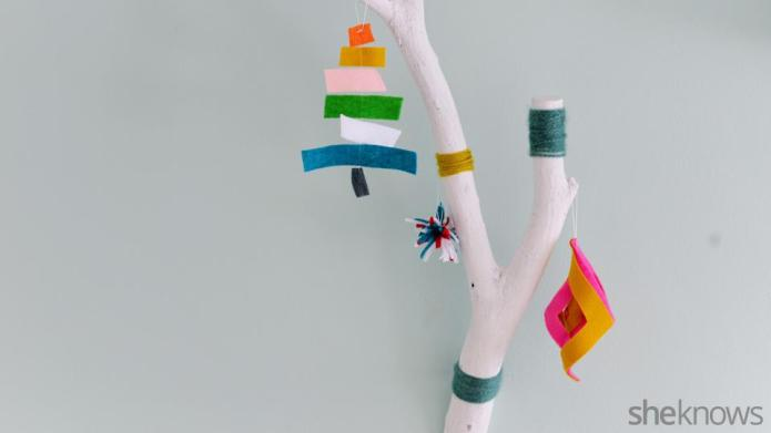 3 Simple homemade felt ornaments for