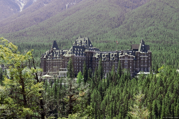 12 Haunted Hotels You Totally Need