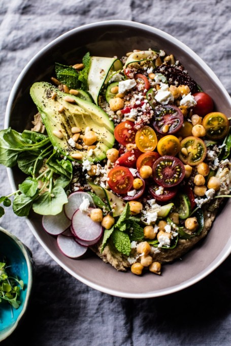 50 Easy Summer Salads: Loaded Greek Quinoa Salad | Summer Eats