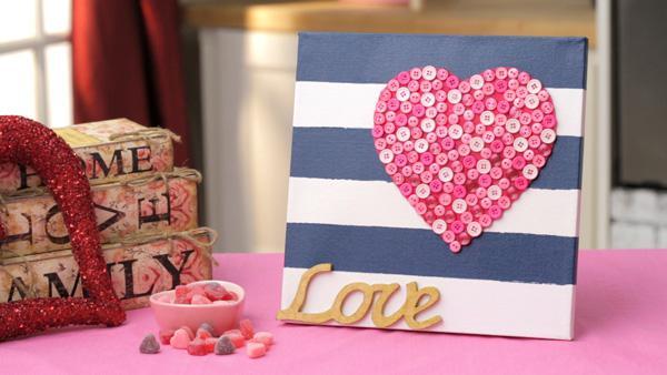 DIY heart-striped canvas