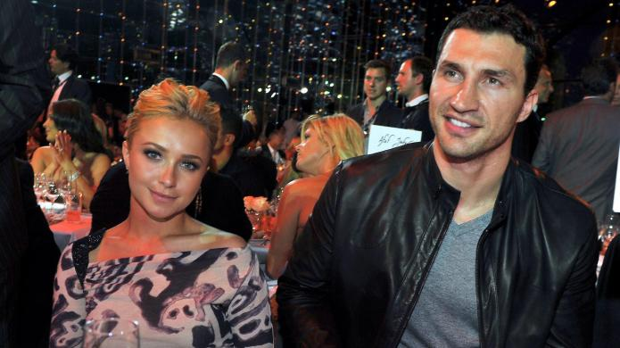 Hayden Panettiere pregnant with a boxing
