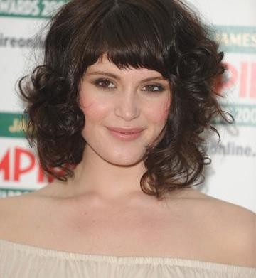 How to get bangs for curly