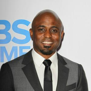 A budding romance for Wayne Brady