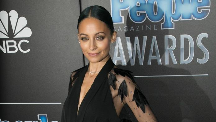 Nicole Richie shockingly wears her 6-year-old
