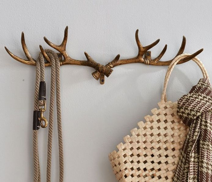 How to decorate with trendy accessories