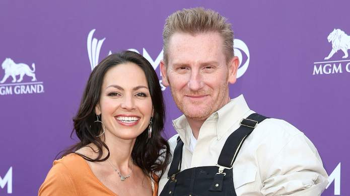 Rory Feek Updates the World on