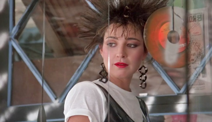 Annie Potts in Pretty in Pink