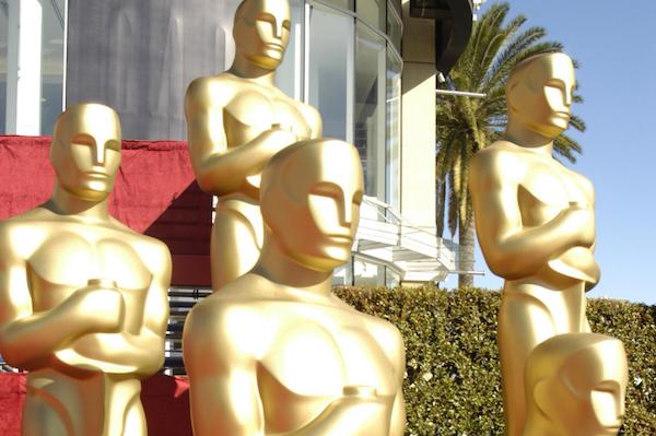 Oscar statues | Sheknows.ca