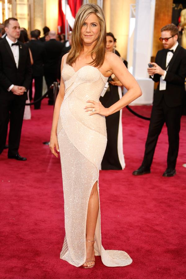 Jennifer Aniston at the 2015 Oscars
