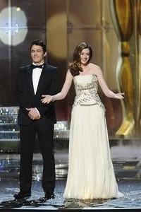Oscars night begins