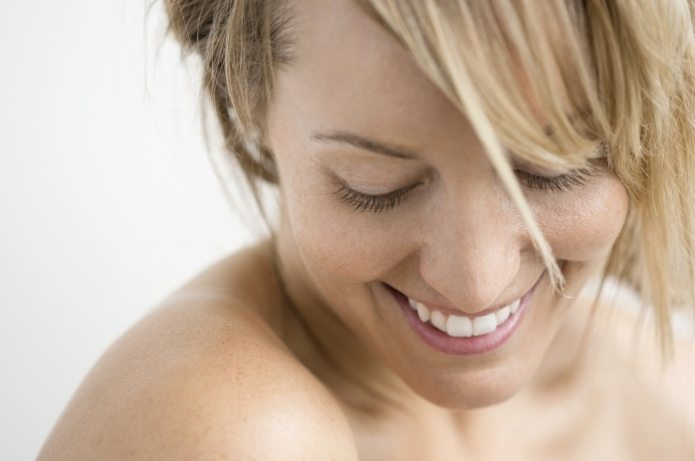 9 Moisturizing face and body mists