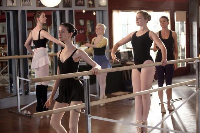 The best shows to stream on Hulu this December: Bunheads