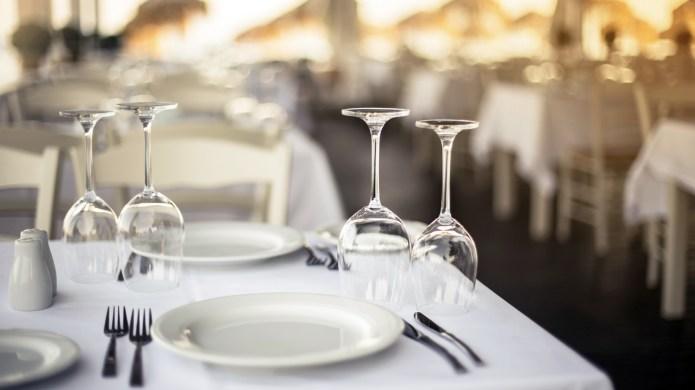 Top 100 outdoor restaurants in Canada,
