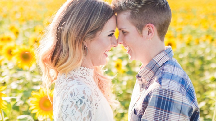21 Summer Engagement Photo Ideas to