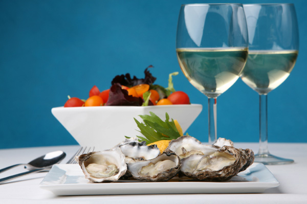 Oysters with Wine and Tomato