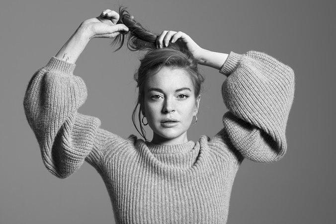 Ways Celebrities Multitask Their Makeup Products | Lindsay Lohan—Lipstick As Blush