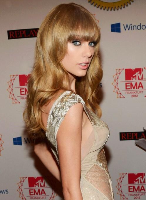 Taylor Swift at the 2012 MTV EMAs