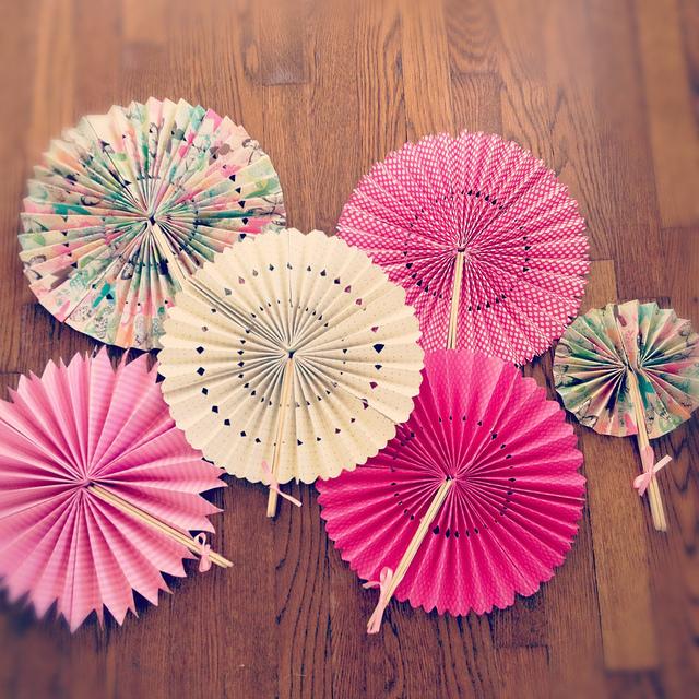 diy-paper-fans
