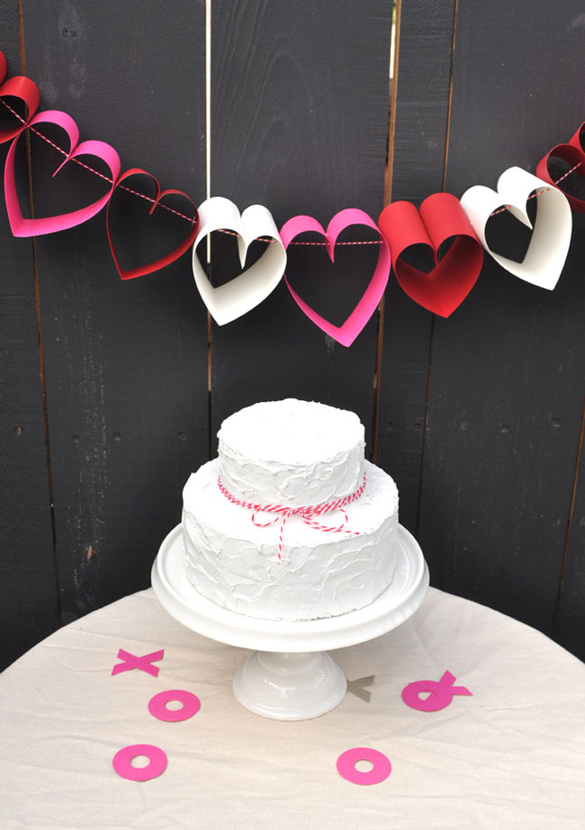 Valentine's Day Decor: Paper hearts decor