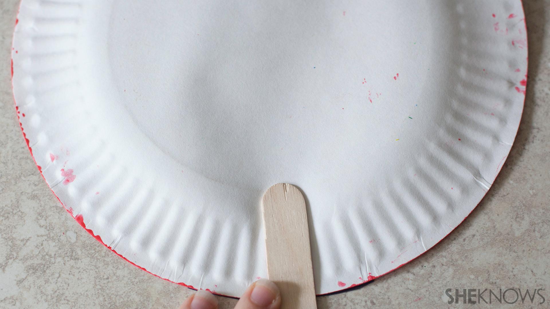 Paper plate fans   Sheknows.com - attach handles