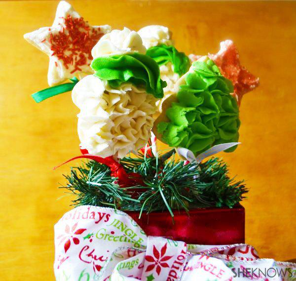 Frosted-sugar-cookie Christmas bouquet