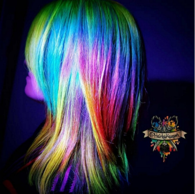 Rainbow coloured UV reflective hairstyle trend