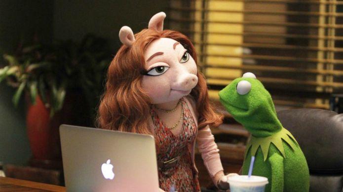 Kermit's new girlfriend Denise unfairly bullied