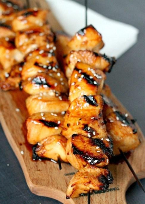 Honey-sriracha grilled chicken skewers