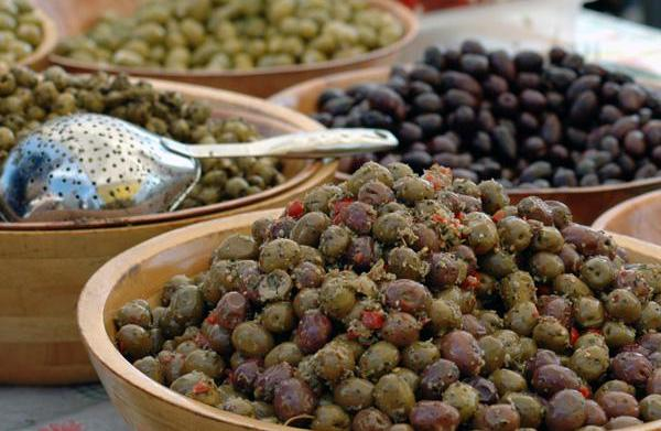 Olives are ideal for a low