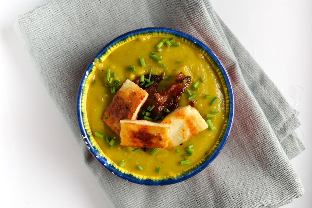 paneer croutons in pea soup