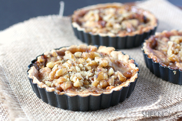 Pear gorgonzola and walnut pie
