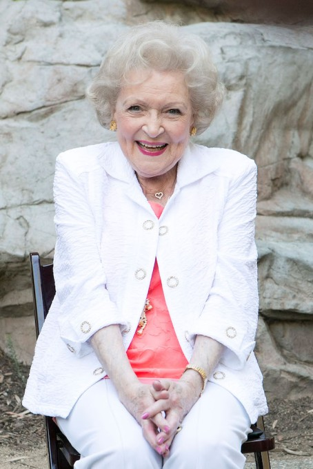 These female celebs love being single: Betty White