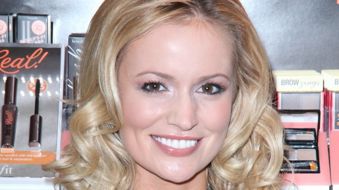 The Bachelor's Emily Maynard throws shade