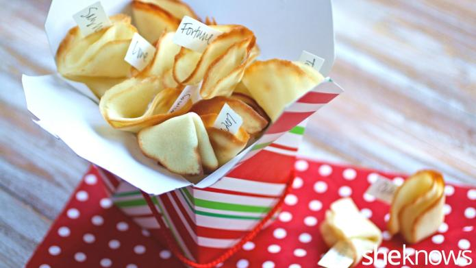 How to make homemade fortune cookies