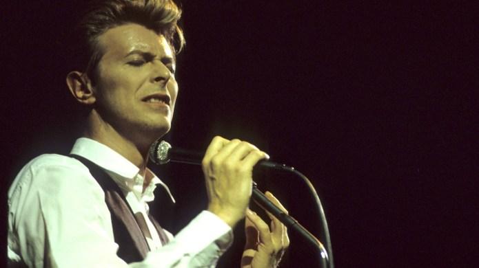Little boy's tribute to David Bowie