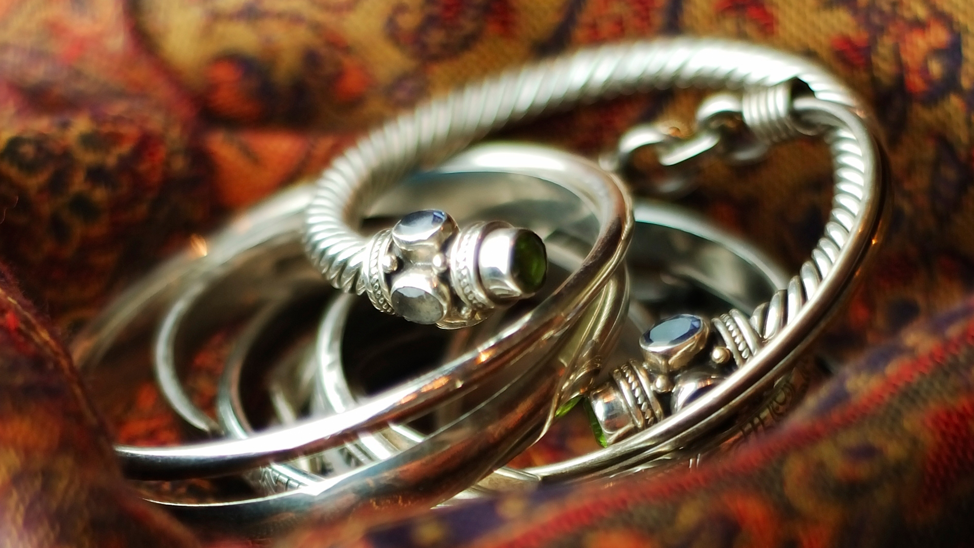 Pile of silver bangles | Sheknows.ca